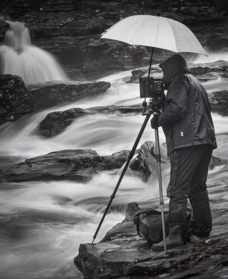 Wasserfotografie im Glen of Orchy. Ein nasser Balanceakt und eine Herausforderung für  den Fotografen und seine Ausrüstung.