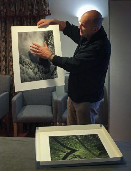 Charly Waite nimmt sich viel Zeit, bei seinem Workshop die Bilder seiner Workshop Teilnehmer zu besprechen